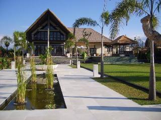 Villa Terang Bulan, Seririt