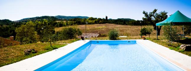 Private pool with view of Chianciano town