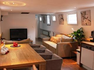 AMSTERDAM CITY CENTRE HOUSEBOAT, Amsterdam