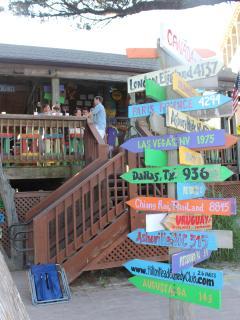 Coco's on site beachside restaurant