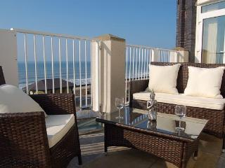 Penthouse Beach Front Holiday Apartment, Tywyn