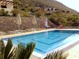 The pool, views up to cape drapanokefalas