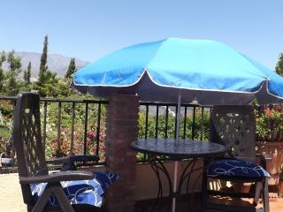 CASA PEQUEÑA - Pretty cottage style villa, small botanical garden, pool + Wi-Fi