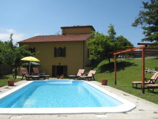 Beautiful village house with private pool and Tuscan mountain views