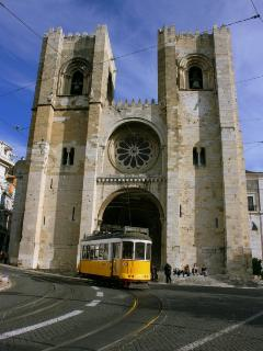 Lisbon´s Cathedral and Tram 28