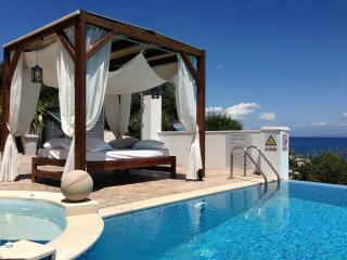 IONIAN PEARL Luxury Spa Villa, Messonghi