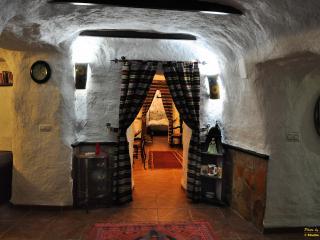 Cueva Peralta, Cortes de Baza