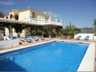Private luxury Spanish family friendly villa with large private swimming pool.