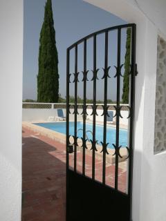 Pool entrace (lockable gates)