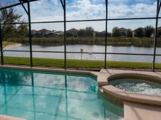 Peaceful Lake View Villa close to Disney! Pool&Spa, Four Corners