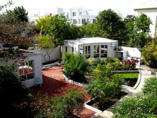 Garden Roomz Oman, Muscat