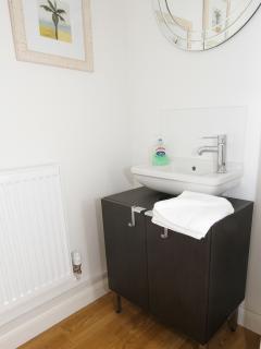 Downstairs cloakroom/toilet