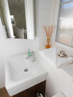 Main bathroom - bath with shower over