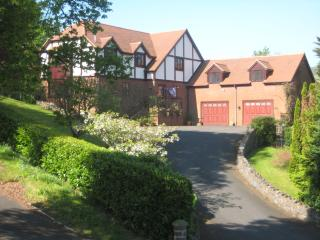 Redwood Heights - spacious rooms with a view.  Welcoming my guests for 20 years., Church Stretton