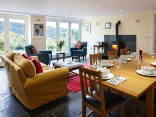 Spacious,  secluded and dog friendly Maesywerngoch, Aberdovey