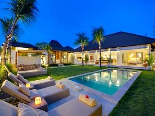 Sahana Villas (Melati) Seminyak - 3BR pool villas