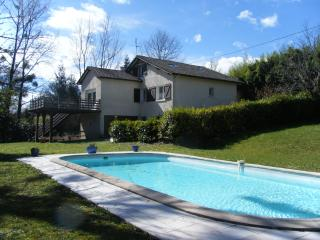 Le Ruisseau -large private pool - free WIFI onsite, Salies-de-Béarn