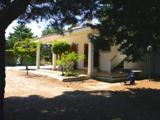 Villa Karina, Serranova