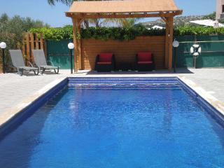 Pergola & pool