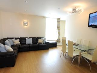 Coast Apartments Shells; very spacious 3 bedrooms, Blackpool