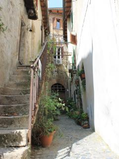 Characteristic side street in the Borgo Antico