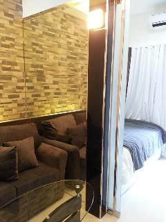 One bedroom unit with a mirror partition