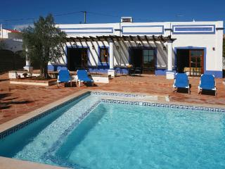 As Casinhas Wheelchair accessible 3 bed cottage, Boliqueime