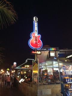 High Street. Rock cafe,