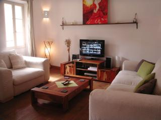 Charming 1 bed in old Antibes