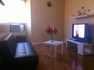 10 min to Manhattan, Cozy Room!, Astoria