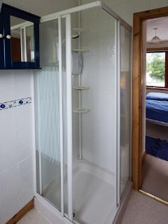 En-suite Shower room with Twin Bedroom 2