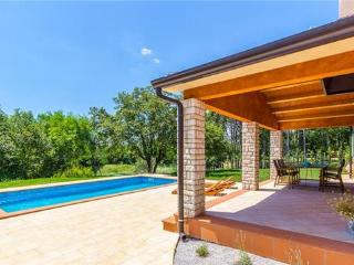 4 bedroom Villa in Sumber, Istria, Croatia : ref 2235013