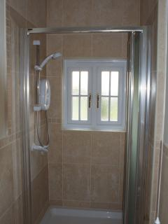 Ground floor en suite shower room