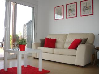 Modern comfortable appartement with garden next to golf course