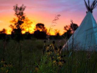 Tipi Camp, Seva