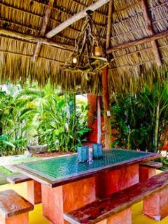 Palapa Outdoor table
