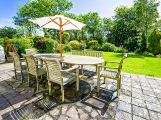 PLAS NEWYDD, swimming pool, woodburner, spacious house, stunning garden, Aberdaron Ref 903963