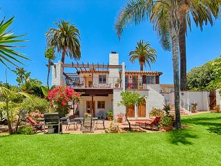 Spanish Villa w/ Ocean Views & Sprawling Private Yard - Steps to Beach, La Jolla