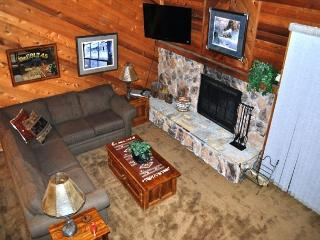 Rustic, 2 Bed + Loft/3 Bath, Great Complex Amenities