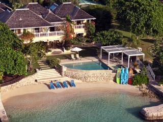 Sugar Bay - Discovery Bay 5 Bedroom Beachfront