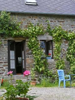 La Cidreraie forms part of a traditional Normandy farmhouse