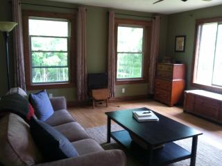 Lakefront Cottage Near Lake MI/Sleeping Bear Dunes, Honor