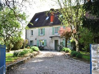18th Century Cottage 1 hour from Paris, Soissons