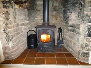 Warren Cottage Holiday Let - Wifi and  Parking, Bridstow