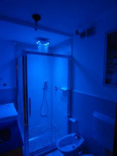 cromotherapy shower - different color
