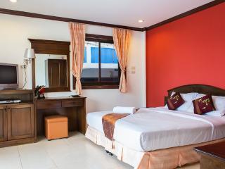 Baan Natacha Beachfront Room, Kamala
