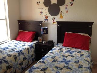 Awesome Mickey Themed Kids Rooms-bbq in back yard!
