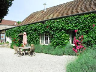 Le Petit Village - Spring Cottage