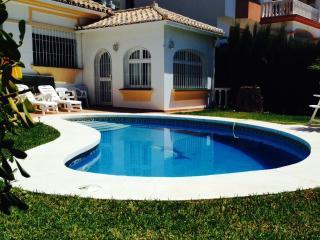 Apartamento con Jardín y Piscina Privada, Sitio de Calahonda