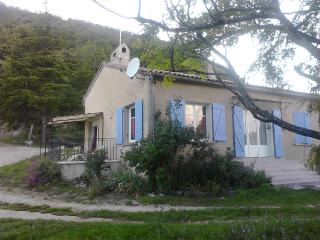 Maison toute equipee Banon Alpes de Haute Provence